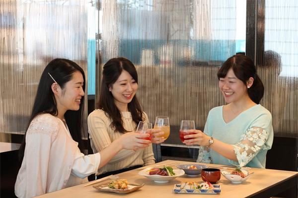 日本一に輝いた梅酒4種や、フルーツのカクテル梅酒も3時間飲み放題の「梅酒BAR」が、6/6〜8/31まで開催!