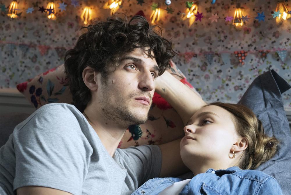 大人の恋愛模様を描いた映画『パリの恋人たち』 ルイ・ガレル監督・主演で12月3日より日本公開決定!