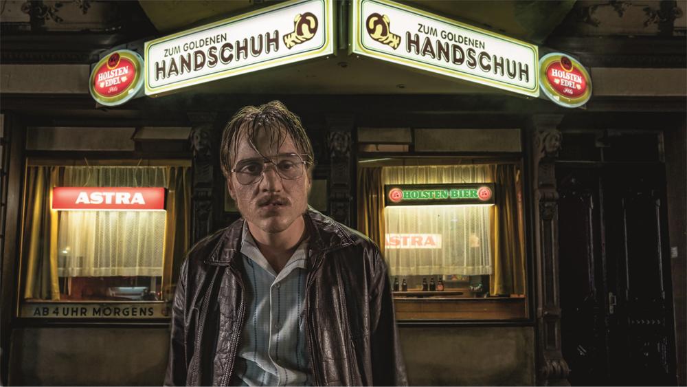 ファティ・アキン監督最新作、映画『屋根裏の殺人鬼フリッツ・ホンカ』 来年2月14日より全国ロードショー決定!