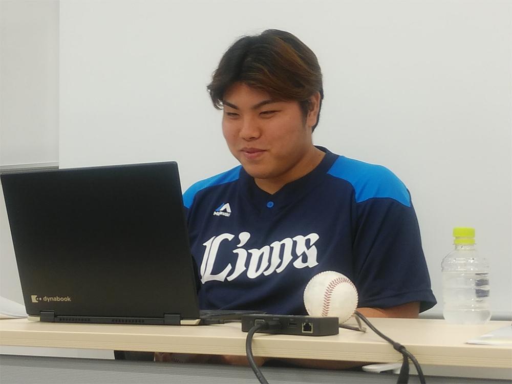 埼玉西武ライオンズ 平良投手が最速158kmのストレートの握りやお茶目なエピソードを披露 「LIONS オンラインクイズ大会」開催